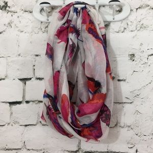 Pretty circle scarf with feather pattern